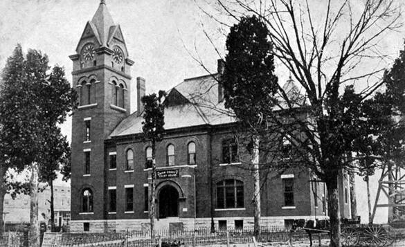 Old Courthouse replaced by the current one in 1928